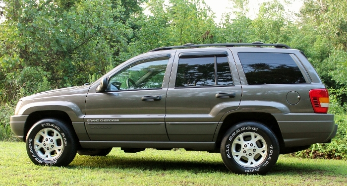 1999 Jeep Grand Cherokee Laredo (10) (700x375)