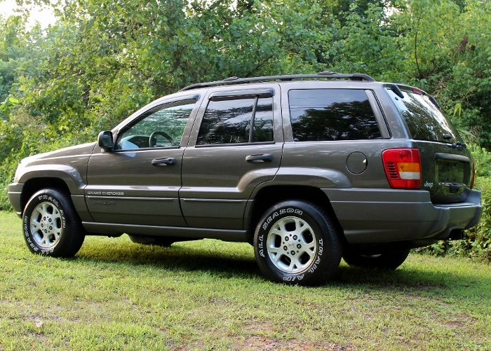 1999 Jeep Grand Cherokee Laredo (11) (700x501)