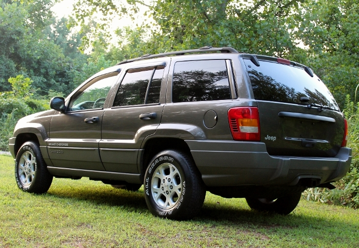 1999 Jeep Grand Cherokee Laredo (12) (700x484)