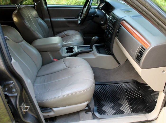 1999 Jeep Grand Cherokee Laredo (21) (700x517)