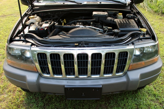 1999 Jeep Grand Cherokee Laredo (23) (700x466)
