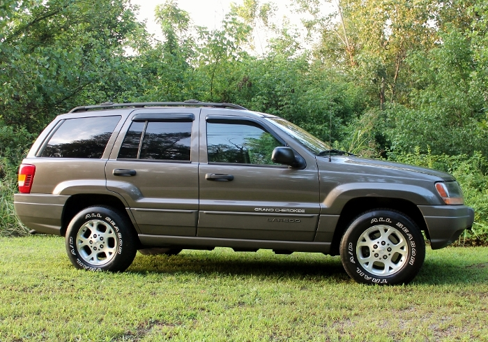 1999 Jeep Grand Cherokee Laredo (3) (700x490)