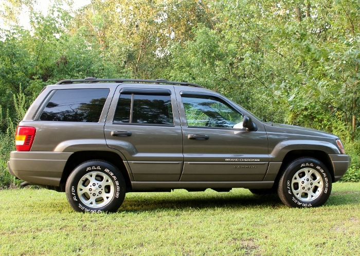 1999 Jeep Grand Cherokee Laredo (4) (700x498)