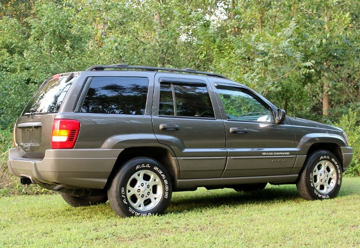 1999 Jeep Grand Cherokee Laredo (5) (700x482)