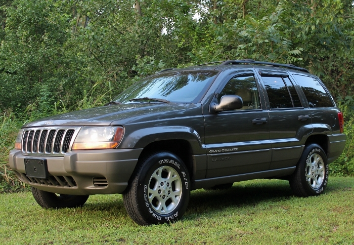 1999 Jeep Grand Cherokee Laredo (7) (700x484)