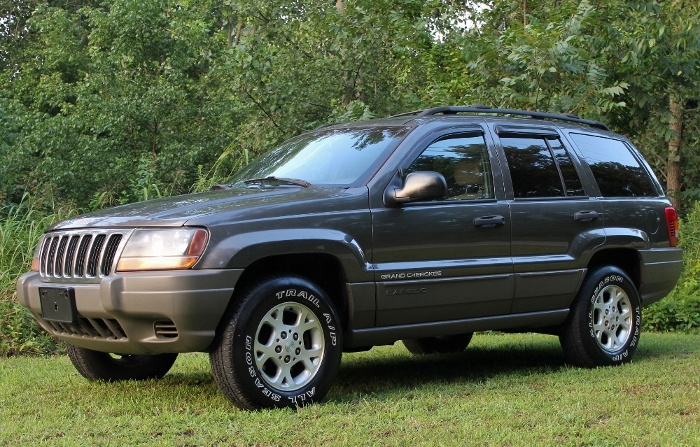 1999 Jeep Grand Cherokee Laredo (8) (700x447)