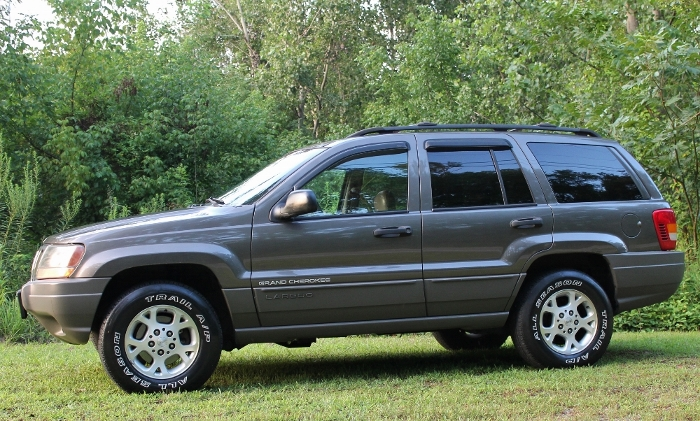 1999 Jeep Grand Cherokee Laredo (9) (700x421)