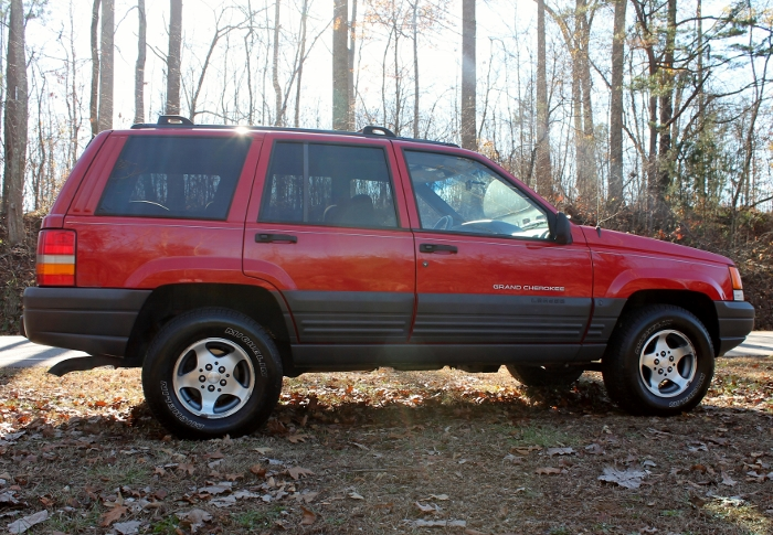 Red 1998 Jeep Grand Cherokee Laredo SUV - 2750 Meadow Road Clover SC 29710 (12)