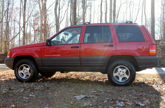 Red 1998 Jeep Grand Cherokee Laredo SUV - 2750 Meadow Road Clover SC 29710 (5)