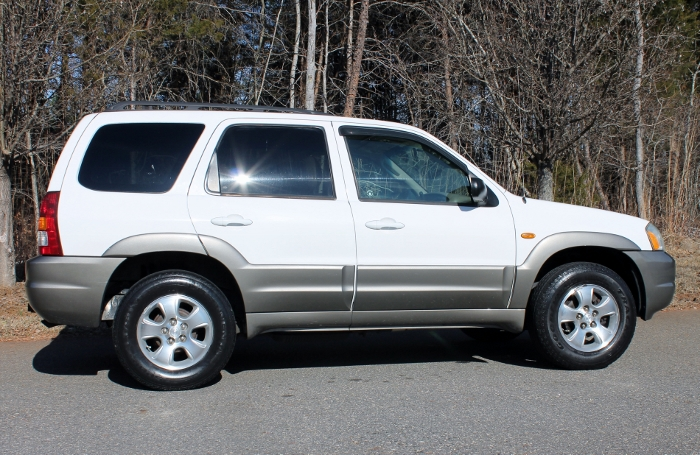 2002 Mazda Tribute ES V6 2WD or 4WD (12)