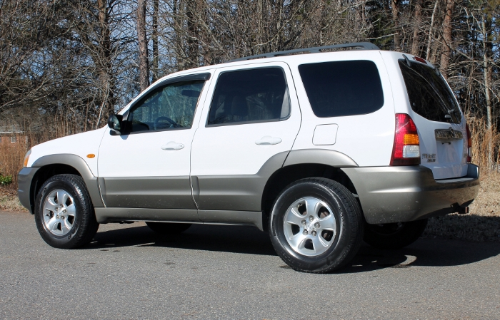 2002 Mazda Tribute ES V6 2WD or 4WD (6)